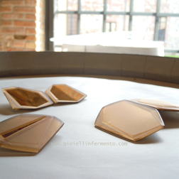 GiF Premio Torre Fornello 2013 Compendium spille, frammenti di specchio bronzato molato e sabbiato, progetto moduli liberibrooches, fragments of bronze mirror milled and sanded, free modules project