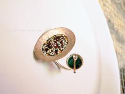 Federico Vianello, anello, Nouvelle cuisine: hors-d'oeuvre, chef-d'oeuvre ou main-d'oeuvre? argento oro puro smalti a fuoco, ring, silver, pure gold, fire enamel
