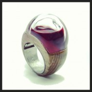 Soon it will be shown again, next september stay tuned #gioiellinfermento from 2012 edition @czernyjewellery #awinetale #gutturnio #wine hedged in #quartz and #oak #gioiellocontemporaneo #gioiellomediterraneo #contemporaryjewellery for #winelover #madeinitaly private collection @torrefornello #vignadellearti #collipiacentini #igersemiliaromagna #igersitalia #igerspiacenza