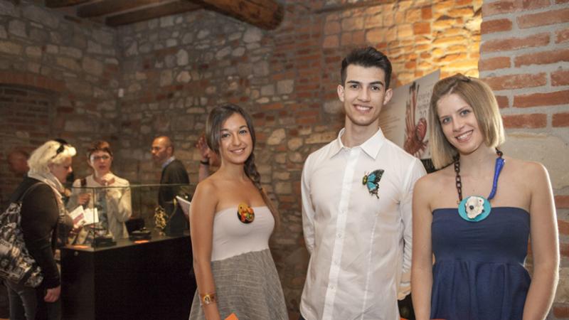 Alcuni lavori dell'edizione 2014 indossati dai giovani. Workpieces by Starrabba, Mirai, Muenzker, Chmielewski, worn by young people.