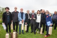 Gualtiero Marchesi, ospite d'onore di Gioielli in Fermento 2015, con gli artisti premiati e per agc Maria Rosa Franzin, Gigi Mariani, ed Eliana Negroni curatrice del progetto.