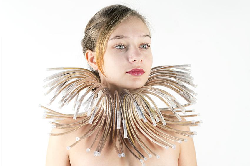 Silvia Beccaria, Bijou aux pains. gorgiera. ruff - coll 2015