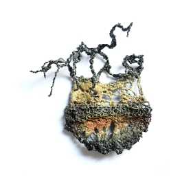Liana Pattihis, UK, In the palm of your hand, brooch, spilla, Gioielli in Fermento 2018 selected artist